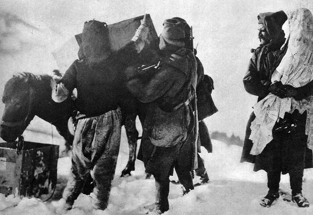 Ewakuacja serbskiego dworu królewskiego. Los swych żołnierzy dzielił król Piotr I i jego rodzina. W ciężkich zimowych warunkach końca 1915 roku, uchodząc przed napastnikami, przedzierał się on przez zaśnieżone góry Albanii ku wybrzeżom Adriatyku. Następnie znalazł się na Korfu, a później wśród swych żołnierzy w Salonikach. Tymczasem wojska państw centralnych zajęły, na przełomie 1915 i 1916 roku, Czarnogórę i środkową część Albanii.