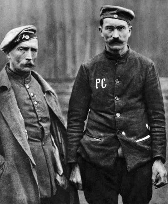 Jeńcy okresu pokoju. Część wziętych do niewoli na Zachodzie Niemców powróciła do domów dopiero w roku 1920. Świadomość klęski i upokarzające odosobnienie nie pozostało bez wpływu na świadomość tych ludzi. Wracali do kraju pokonanego, okrojonego, zmuszonego do spłaty ogromnych reparacji. Nosili w sobie pragnienie odwetu.