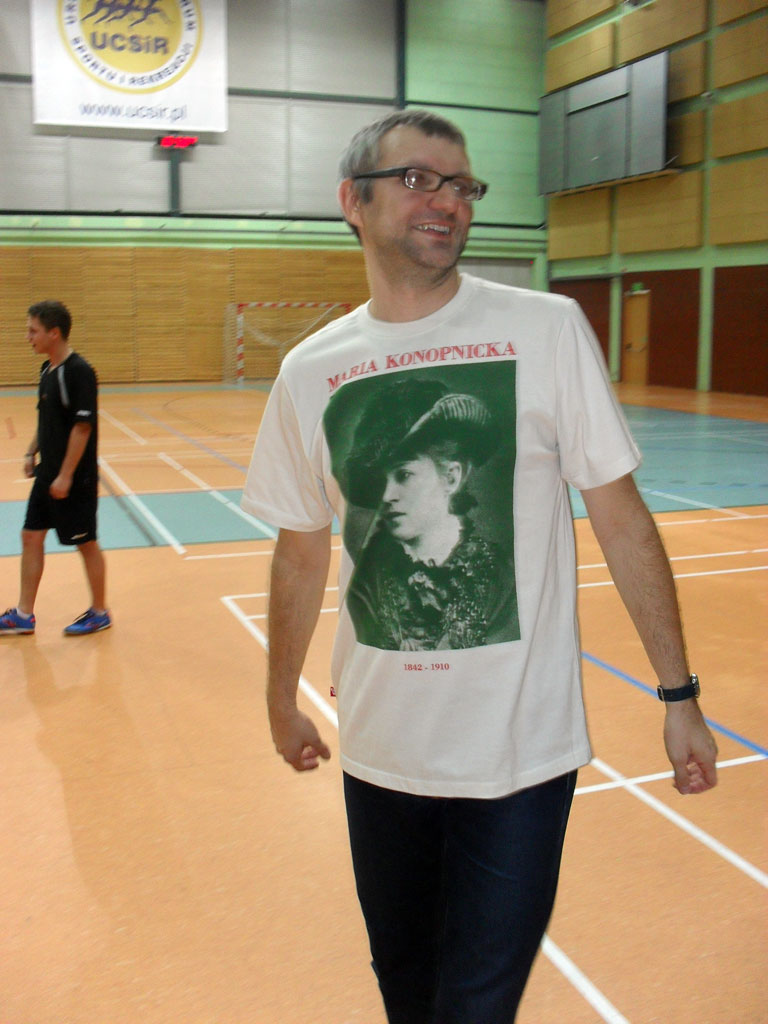 Nasz polonista, p. Rafał Gołębiowski, zdobywca nagrody za najpiękniejszą koszulkę Igrzysk. ;)