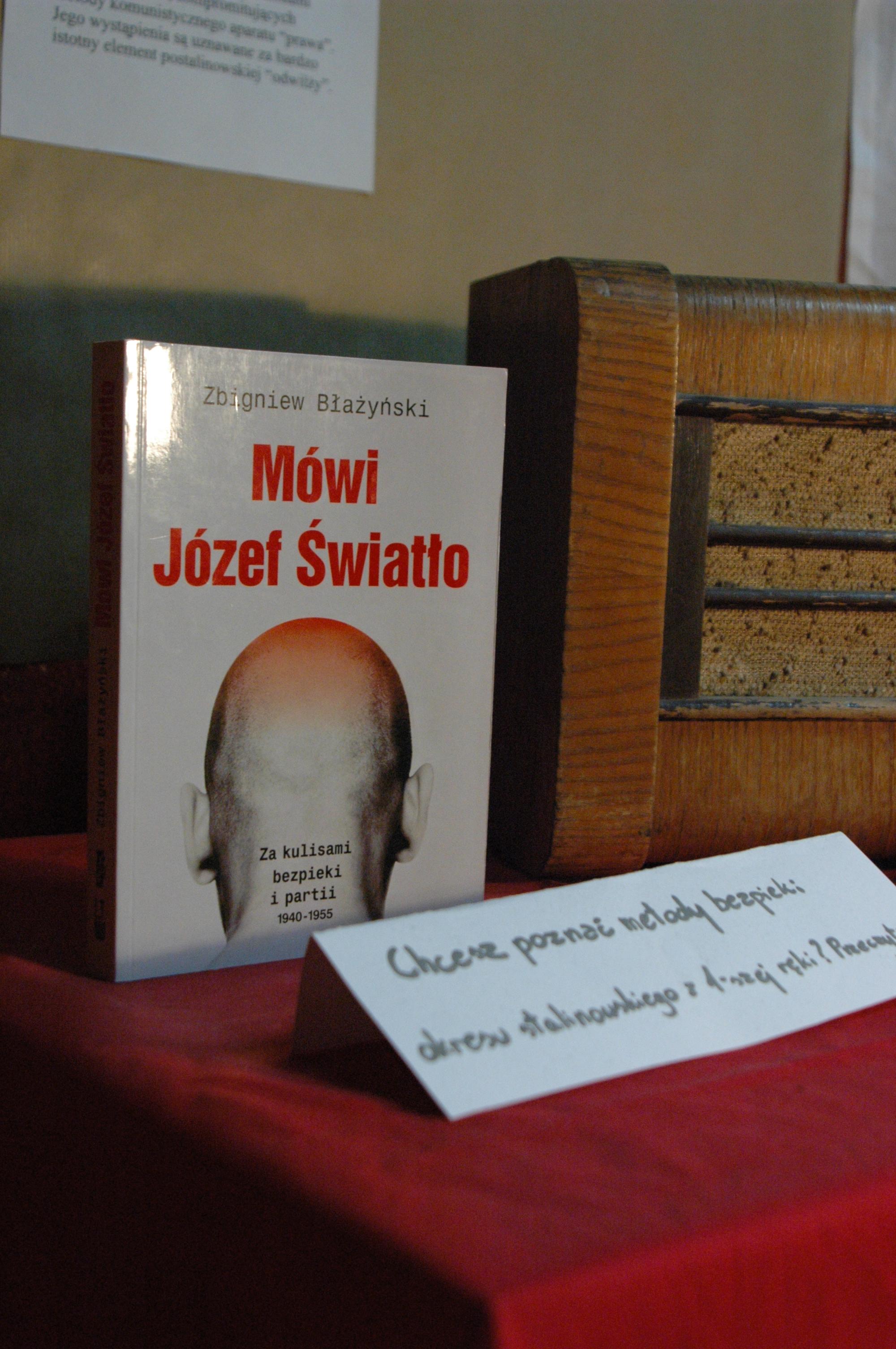 Zakazana w PRL-u książka dziennikarza RWE, który przeprowadził cykl wywiadów z Józefem Światłą.