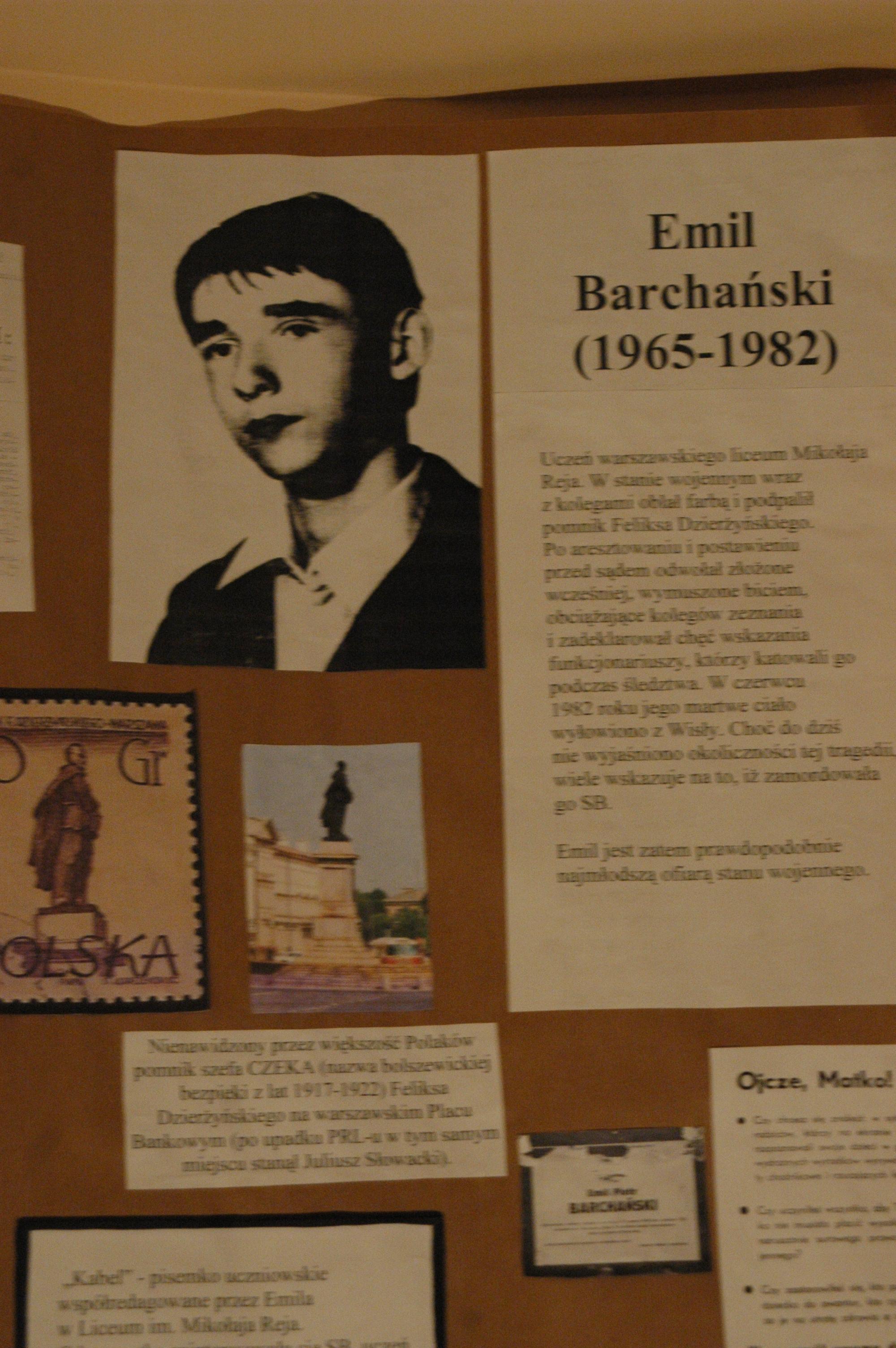 Ekspozycja poświęcona Emilowi Barchańskiemu - prawdopodobnie najmłodszej (17 lat) ofierze SB w stanie wojennym.