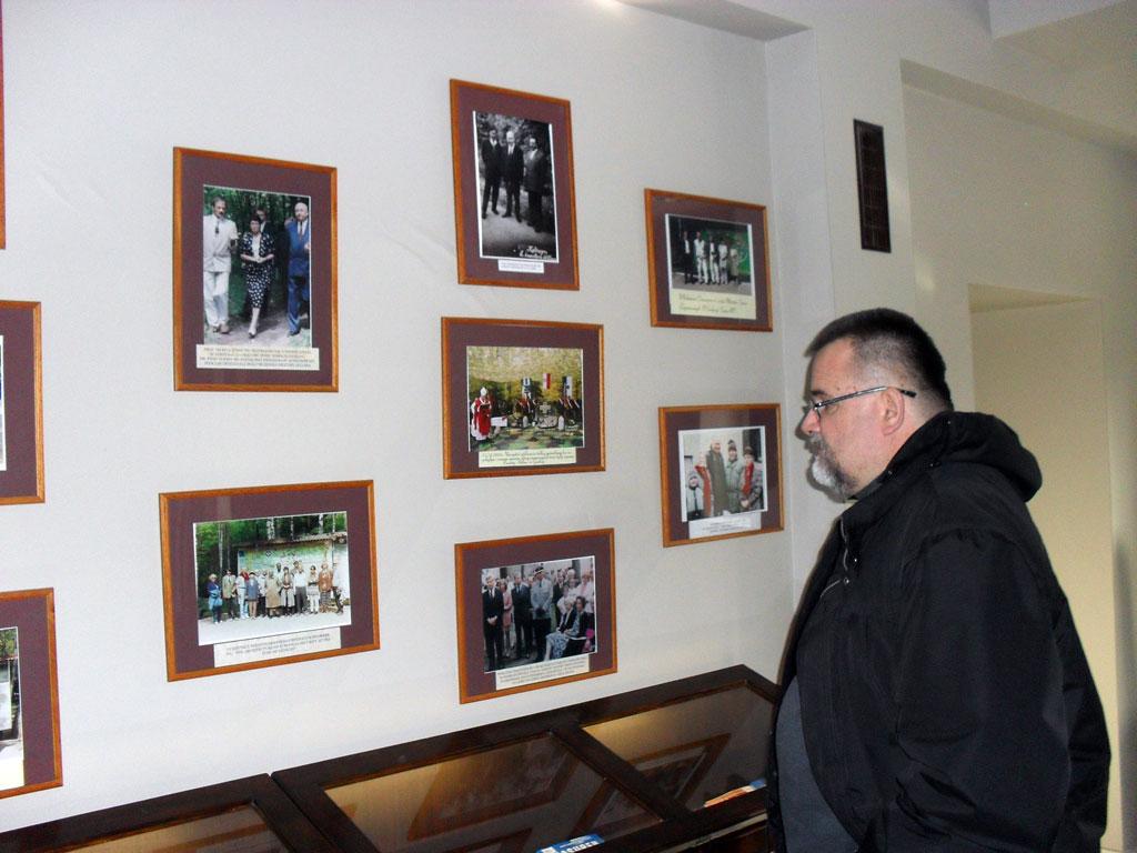 Hotel w Wilczym Szańcu. Mieści się w budynku, w którym kiedyś stacjonowała osobista gwardia Hitlera. Tu spaliśmy i jedliśmy.